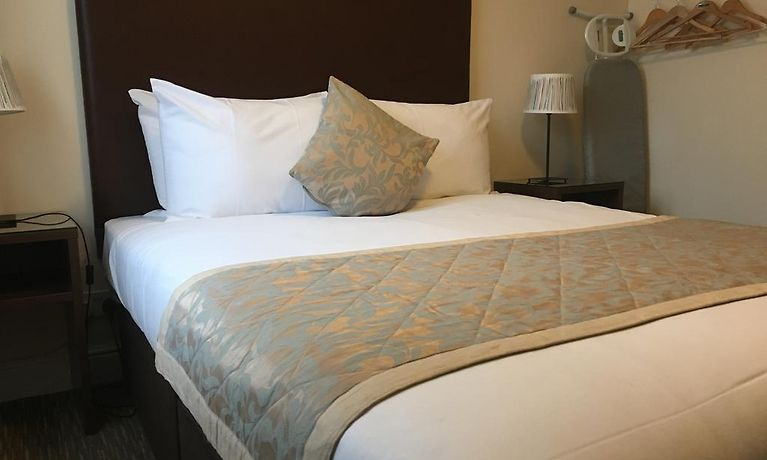 The Star And Garter A Citylodge Hotel Andover Rates From